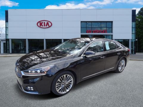 Pre-Owned 2017 Kia Cadenza Limited FWD 4dr Car